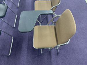 メモ台付きパイプ椅子などのセミナー用品のレンタルも得意です